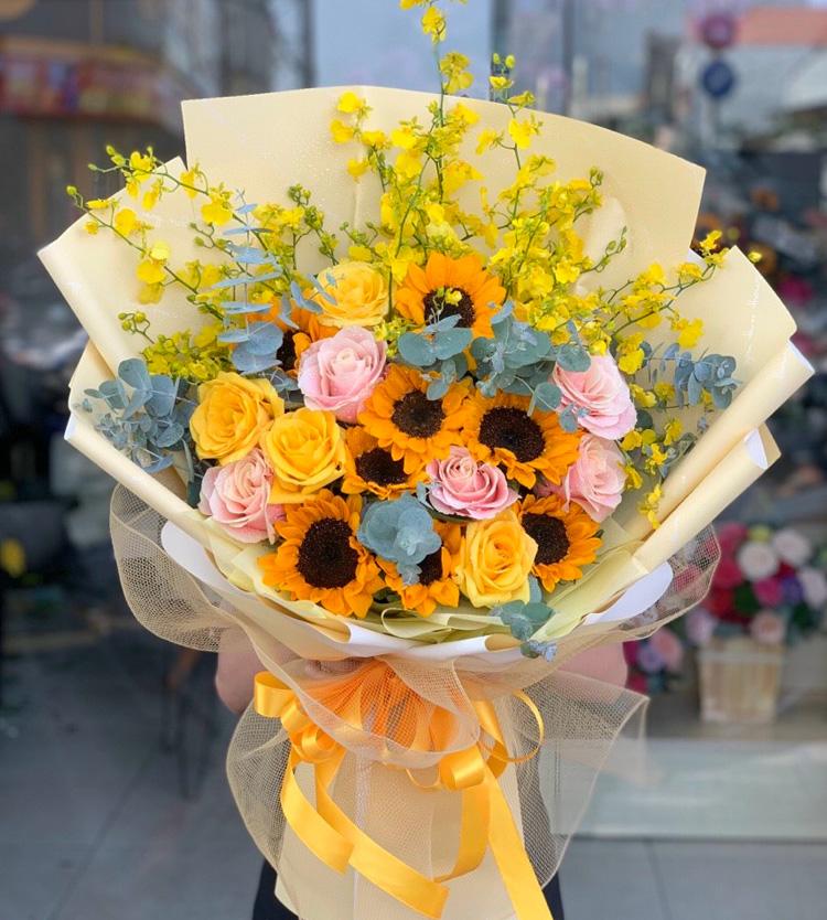 Bó hoa tươi tặng sinh nhật vô cùng ý nghĩa