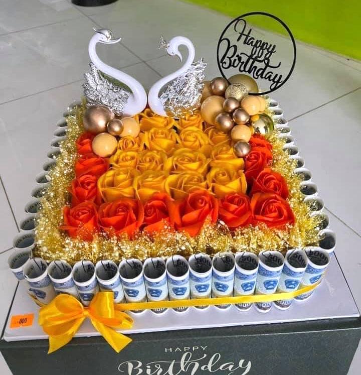 Bánh sinh nhật bằng tiền 5k