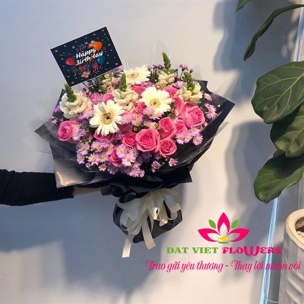 bó hoa 8-3 chúc mừng phái nữ