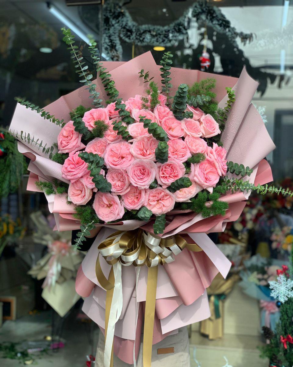 Bó hoa hồng tặng cô ngày 20-11