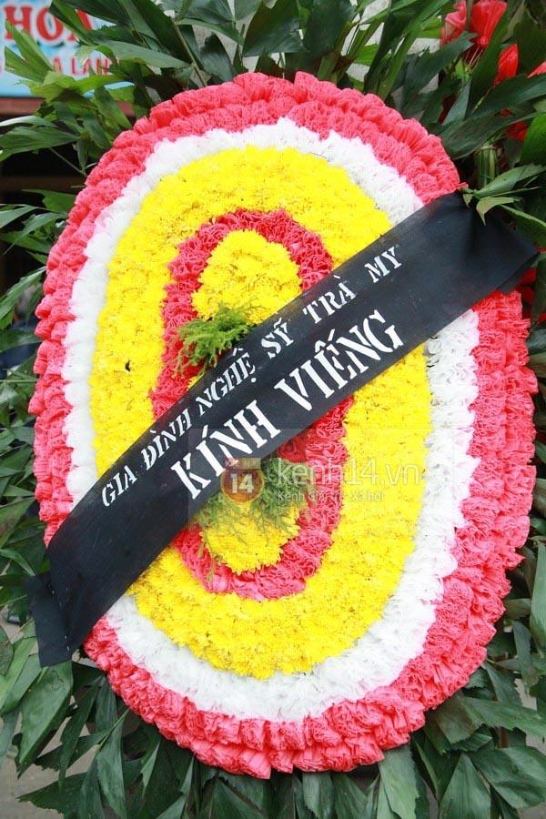 Hoa viếng đám tang hình Oval