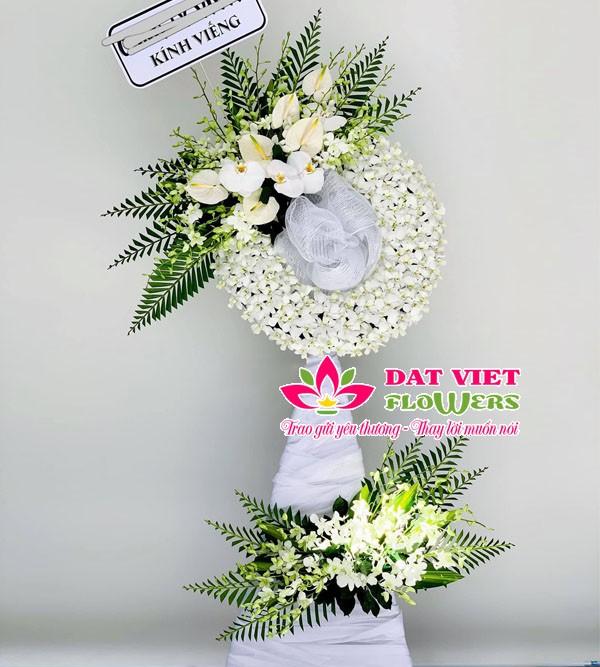 Hoa viếng đám tang người trẻ